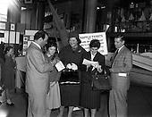 1960 - Italian Opera Stars at the Dublin Boat Show.