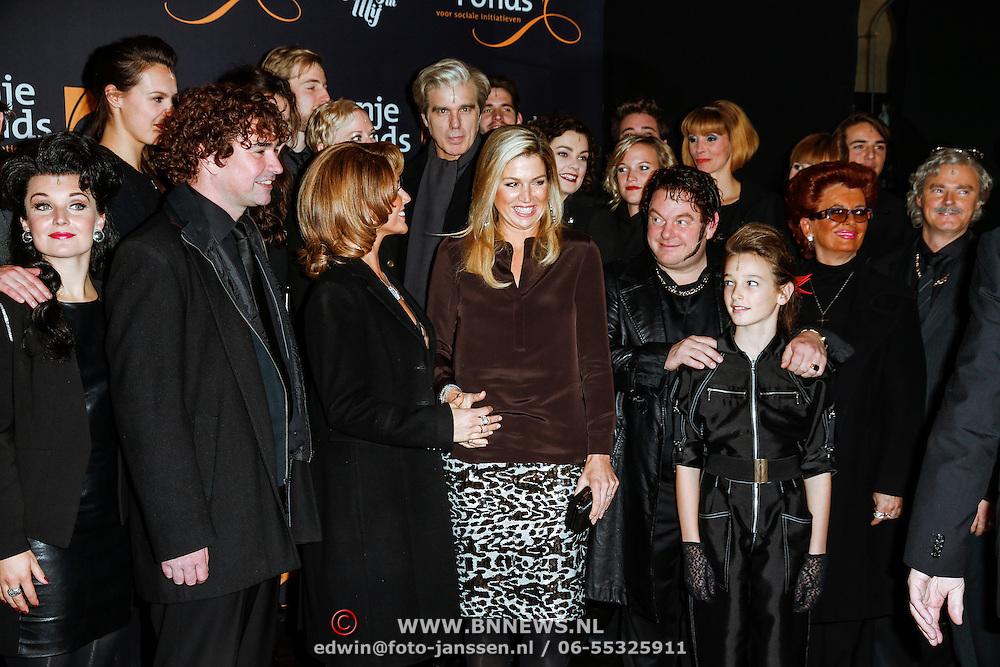 """NLD/Amsterdam/20131105 - Koninging Maxima bezoekt de Hazes musical """"Hij Gelooft in Mij"""","""