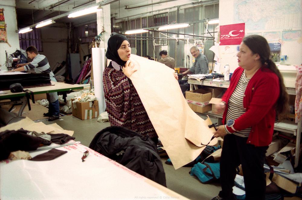 Atelier de confection de Karima Saouli, Paris, France, 2006.
