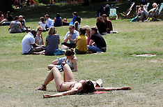 JULY 10 2013 Heatwave continues in London