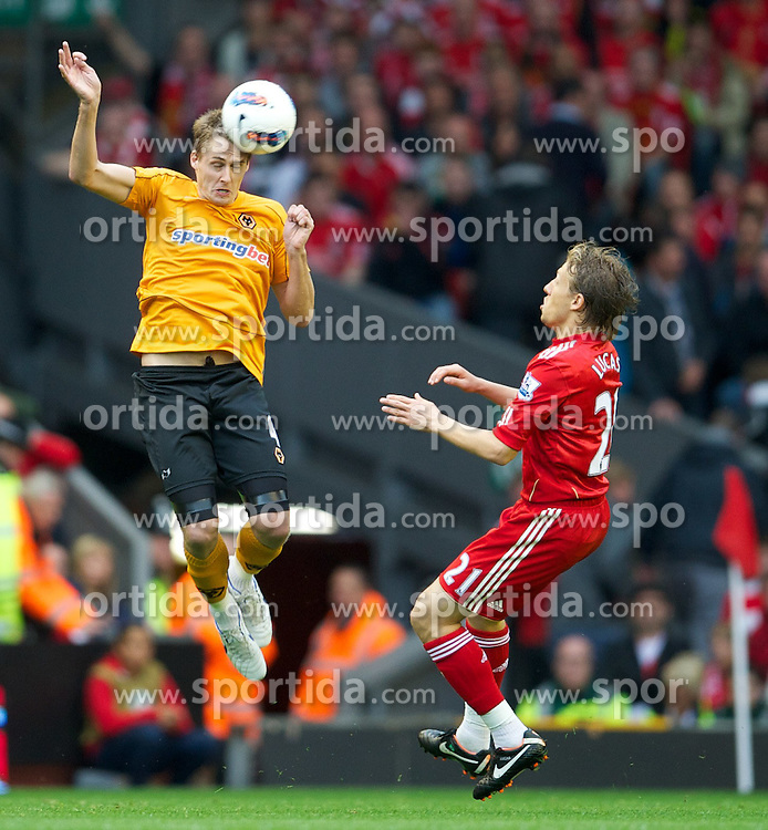 24.01.2011, Anfield, Liverpool, ENG, PL, FC Liverpool vs Wolverhampton Wanderers, im Bild Liverpool's Lucas Leiva in action against Wolverhampton Wanderers' David Edwards during the Premiership match at Anfield. EXPA Pictures © 2011, PhotoCredit: EXPA/ Propaganda Photo/ David Rawcliff +++++ ATTENTION - OUT OF ENGLAND/GBR+++++