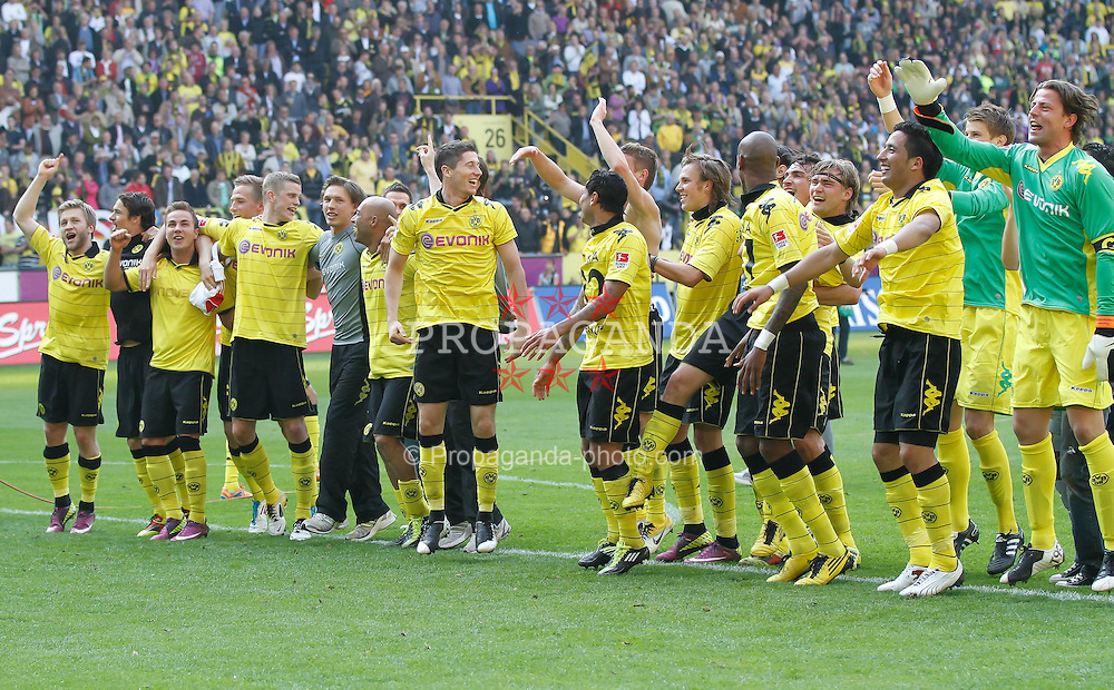 30.04.2011, Signal Iduna Park, Dortmund, GER, 1.FBL,  Borussia Dortmund vs 1. FC Nuernberg, im Bild Jubel nach Spielende der Mannschaft zum Titel Deutscher Miester 2011  EXPA Pictures © 2011, PhotoCredit: EXPA/ nph/  Scholz       ****** out of GER / SWE / CRO  / BEL ******