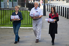 2016-07-18 Petition to scrap Trident handed in to MOD ahead of Parliament debate