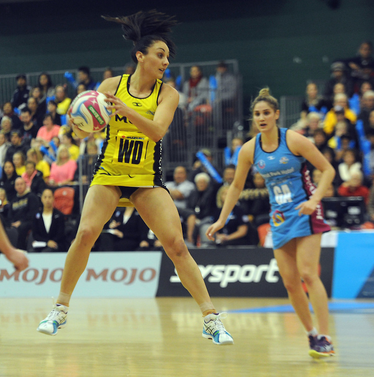 Pulse's Joline Henry against the Steel in the ANZ Netball Championship, Aeena Manawatu, Palmerston North, New Zealand, Sunday, May 17, 2015. Credit:SNPA / Ross Setford