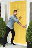 7/14/2015 - FOX's Knock Knock Live NY Stunt With Ryan Seacrest