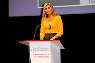 4-11-2015 - THE HAGUE - Aankomst Koningin M&aacute;xima en Prinses Mary bij het World Forum Koningin M&aacute;xima houdt een toespraak tijdens de derde World Conference of Women's Shelters in het World Forum. COPYRIGHT ROBIN UTRECHT<br /> 4-11-2015 - THE HAGUE - Arrival Queen M&aacute;xima and Princess Mary at the World Forum Queen Maxima delivers a speech at the Third World Conference of Women's Shelters in the World Forum. COPYRIGHT ROBIN UTRECHT