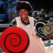 Artist Bagangile Mkhize weaves telephone wire bowls.