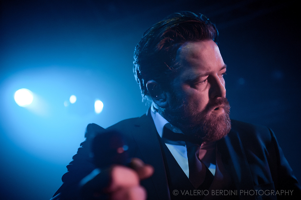 Guy Garvey live with Elbow at the Cambridge Junction on 2 Mar 2011