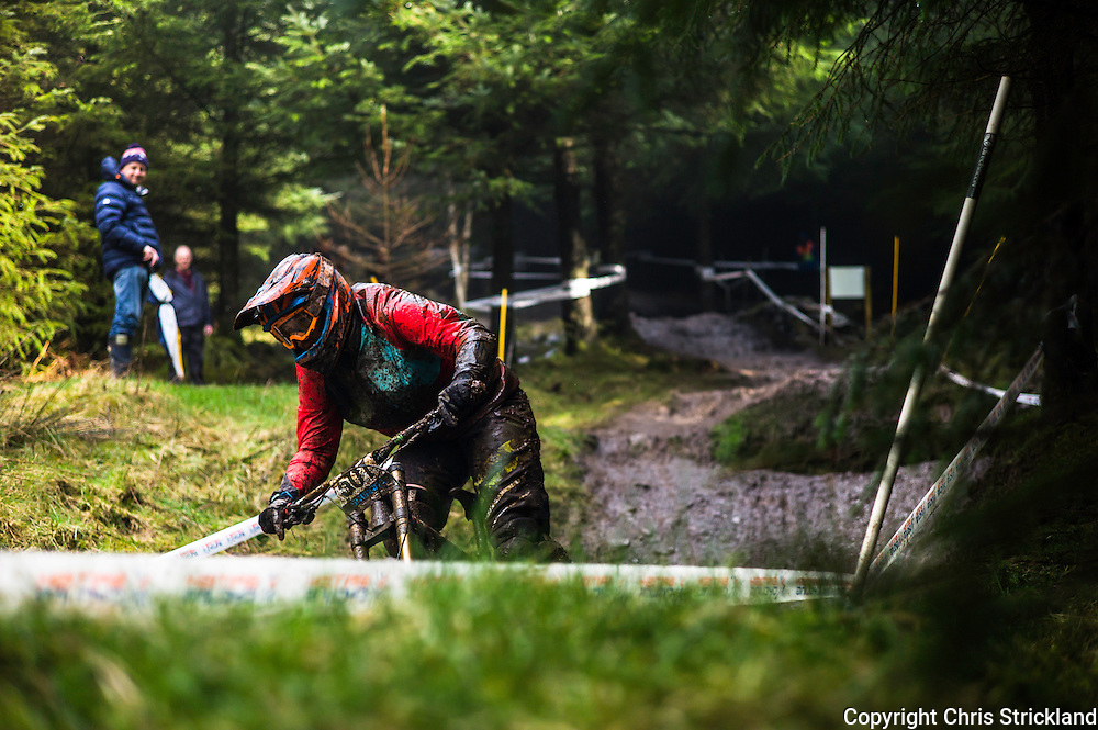 Ae Forest, Dumfries, Dumfries & Galloway, Scotland, UK. 3rd April 2016. Mountain Bikers take part in the 1st round of the British Downhill Series on the iconic 7Stanes trails in Ae Forest near Dumfries.
