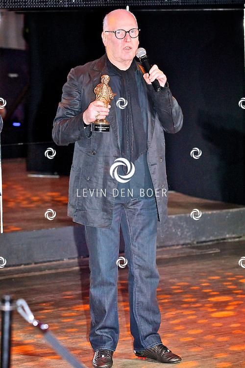 AMSTERDAM - In discotheek De Escape op het Rembrandtplein zijn weer de Rembrandt Awards 2012 uitgereikt.  Met op de foto Casting director Hans Kemna met de Ere Rembrandt Award. FOTO LEVIN DEN BOER - PERSFOTO.NU