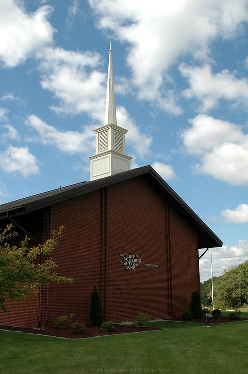 Église mormone de Jésus Christ des saints des derniers jours. Moberly, Missouri, USA, 2006-2007