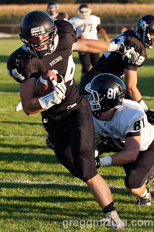 Vale's Trace Cummings breaks away for a touchdown during the second quarter of the Vale - Parma football game, September 5, 2014 at Frank Hawley Stadium, Vale High School, Vale, Oregon. Vale won 48-7.