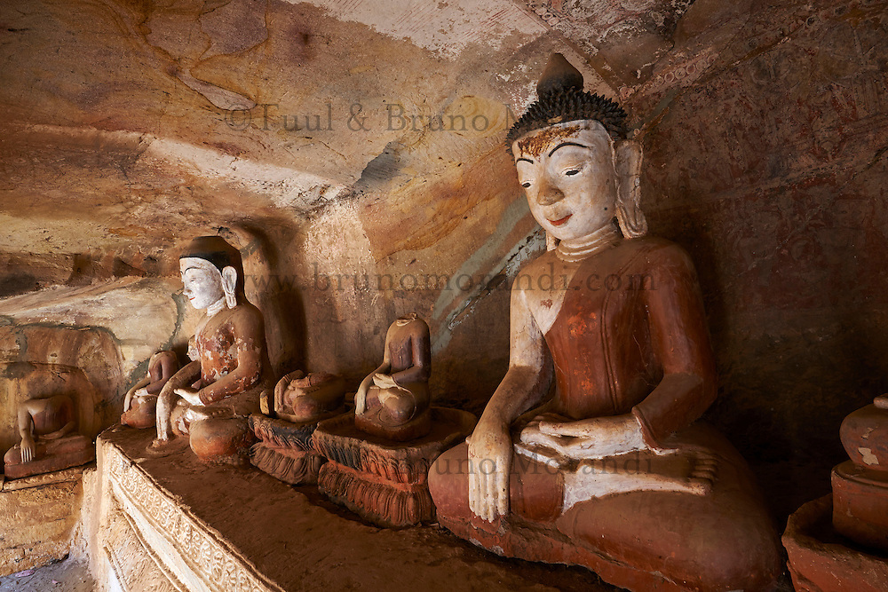 Myanmar (Burma), Sagaing division, Monywa, Po Win Daung buddhist cave ...