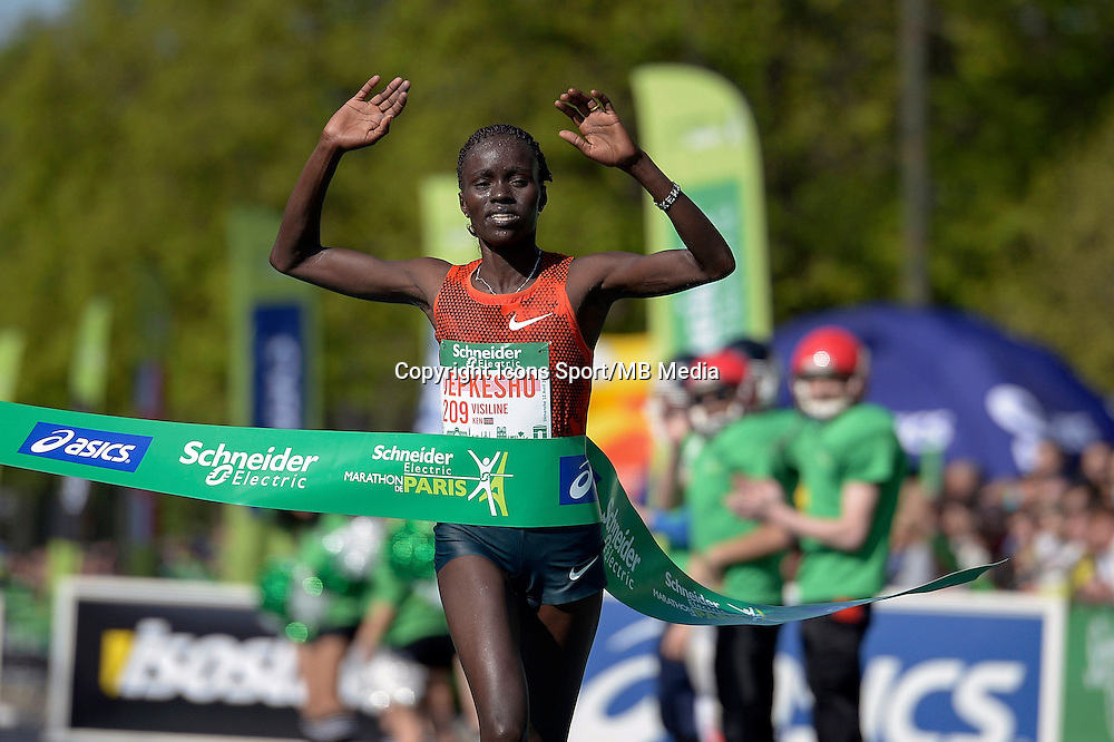 Visiline Jepkesho - 12.04.2015 - Marathon de Paris 2015<br />