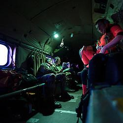 Mission d'assistance du SA 321G Super Frelon de la Flottille 32F au Groupe de Plongeurs D&eacute;mineurs Atlantique bas&eacute; &agrave; Brest pour r&eacute;aliser des op&eacute;rations de d&eacute;minage en mer &agrave; bord d'un chalutier et sur une plage bretonne.<br /> Avril 2010 / Lanv&eacute;oc (29) / FRANCE<br /> Voir le reportage complet (210 photos) http://sandrachenugodefroy.photoshelter.com/gallery/2010-04-Au-crepuscule-du-Super-Frelon-Complet/G00007PsbeX9o9w0/C0000yuz5WpdBLSQ