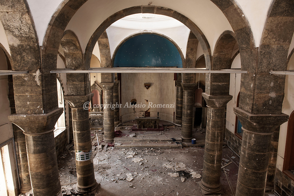 Iraq, Mosul: the damaged by airstrikes interior of Um Al Maonna church in west Mosul. Alessio Romenzi
