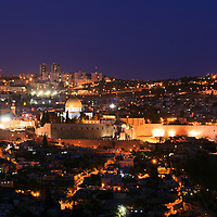 Night view from the South of the Old City of Jerusalem, with the Jewish Quarter, Temple Mount and Dome of the Rock in the center.