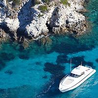 LA CORSE EN YACHT-Motoryacht in south Corsica