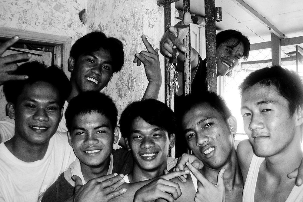 Young boys who committed like murder, theft or mugging live together in Caloocan city jail until their trial.