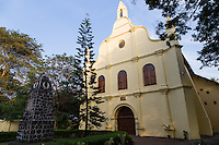 St. Francis Church in Kochi was  originally built in 1503.  t is the oldest European church in India and consequently is of historical importance as  witness to the European colonial struggle in India. Vasco da Gama died in Kochi in 1524 when he was on his third visit to India. His body was originally buried at St Francisco Kochi but his remains were moved to Lisbon in later years.