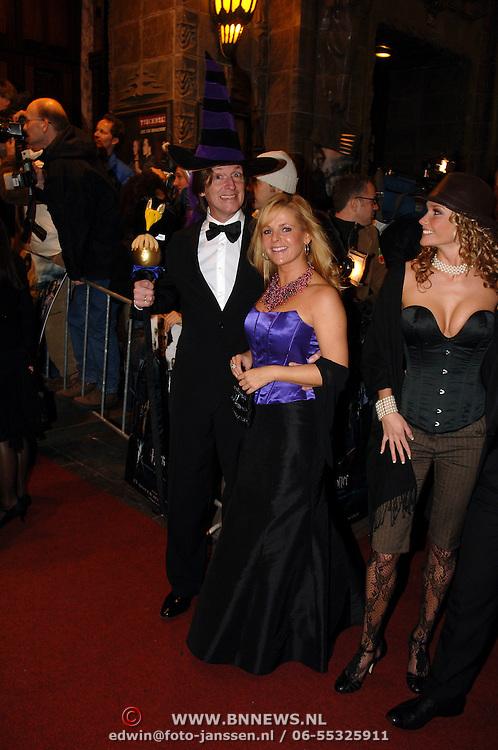 NLD/Amsterdam/20051121 - Premiere Harry Potter en de Vuurketel, Eric de Zwart en partner Marieke van den Brink