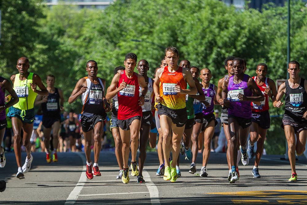 UAE Healthy Kidney 10K, Ben True leads race in first mile