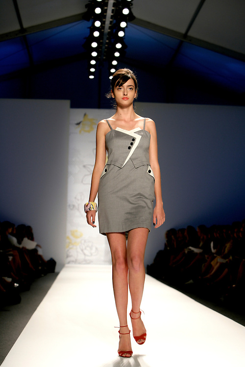 Twinkle by Wenlan<br /> Spring/Summer 2009 Collection