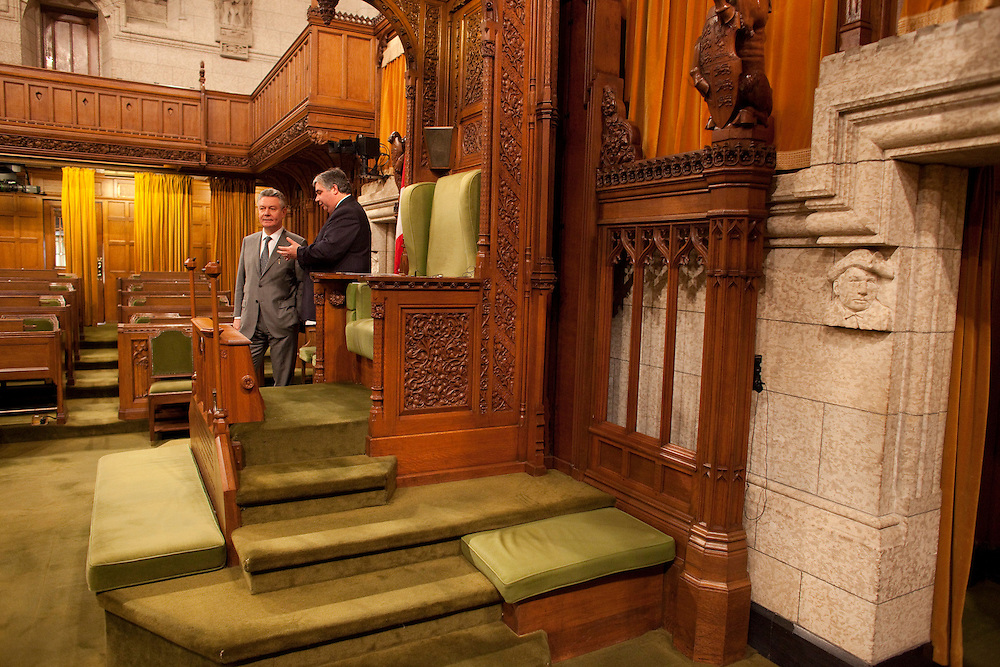 Karel De Gucht, European Commissioner for Trade is given a tour of the House of Commons by Canada's Minister of International Trade Peter Van Loan on Parliament Hill in Ottawa, Canada December 15, 2010.<br /> AFP/GEOFF ROBINS/STR