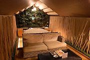 PABLONA Love Hotel in Osaka Namba area. Asian style room.