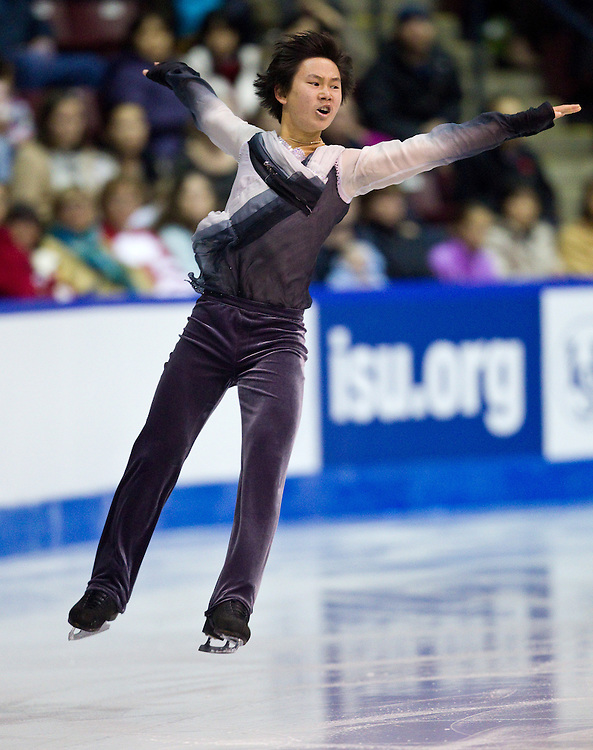 GJR379 -20111028- Mississauga, Ontario,Canada-  Denis Ten of Kazakhstanakhstan skates his short program at Skate Canada International, October 28, 2011.<br /> AFP PHOTO/Geoff Robins