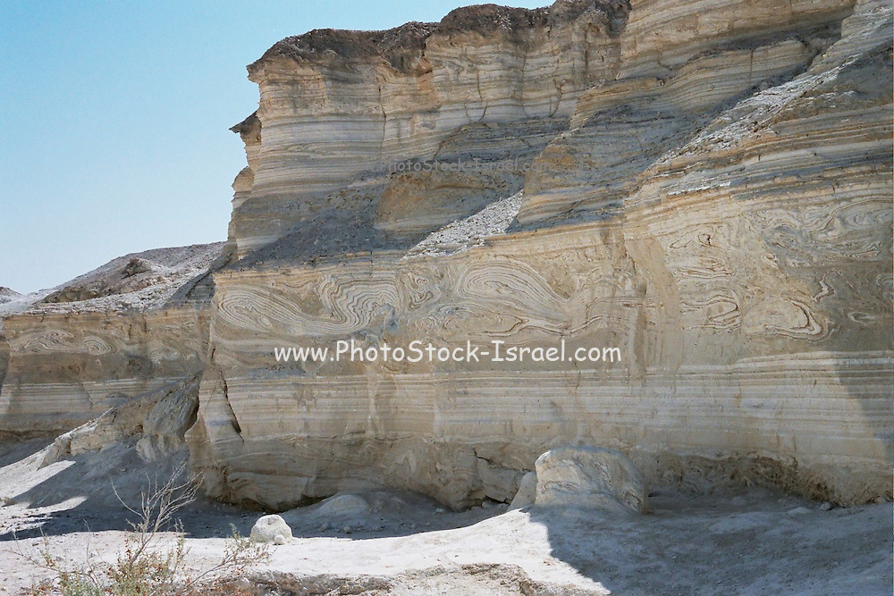 Israel, Negev Desert, uncovered layers forming a natural graffiti