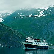 North America, United States, US, Northwest, Pacific Northwest, West, Alaska, Glacier Bay, Glacier Bay National Park, Glacier Bay NP. National Geographic ship Sea Lion cruising in Glacier Bay National Park, Alaska.