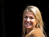 AMSTERDAM - ARRIVAL QUEEN MAXIMA OF FOR THE BIRTHDAY PARTY OF DUTCH KING WILLEM ALEXANDER. COPRIGHT ROBIN UTRECHT
