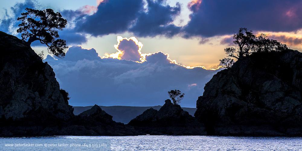 Sunset at Oneroa Bay entrance, Waiheke Island, Hauraki Gulf, New Zealand.