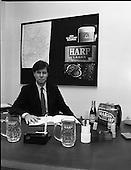 1988 - Mr John Lennon Of Guinness.    (R91).
