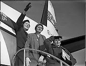 1959 - Mrs Whatmough and daughter, Darby O'Gill Prizewinners arrive at Dublin Airport