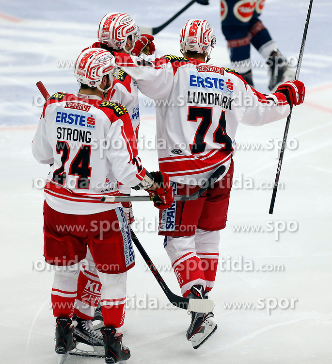 15.01.2016, Stadthalle, Villach, AUT, EBEL, EC VSV vs EC KAC, 43. Runde, im Bild der Jubel von Steven Strong (KAC) und Jamie Lundmark (KAC) // during the Erste Bank Icehockey League 43th round match between EC VSV vs EC KAC at the City Hall in Villach, Austria on 2016/01/15, EXPA Pictures © 2016, PhotoCredit: EXPA/ Oskar Hoeher