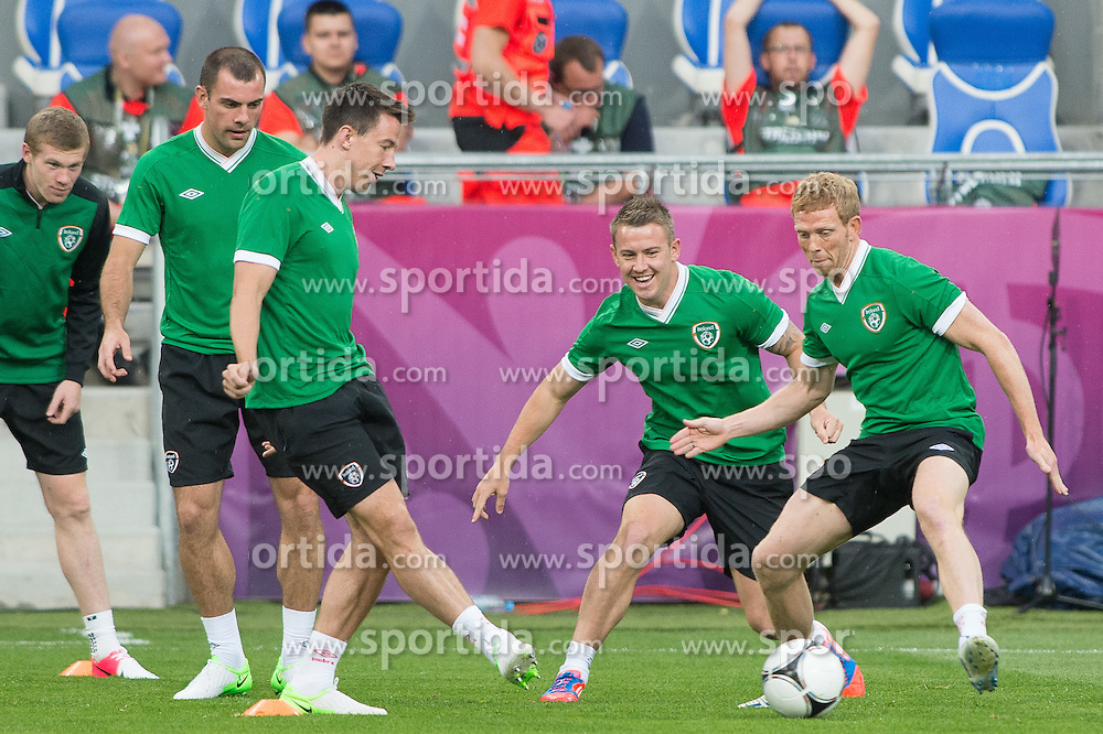 09.06.2012, Stadion Miejski, Poznan, POL, UEFA EURO 2012, Tschechische Republik, Training, im Bild DARRON GIBSON, SEAN ST LEDGER, SIMON COX, PAUL GREEN during the during EURO 2012 Trainingssession of Ireland Nationalteam, at the stadium Miejski, Poznan, Poland on 2012/06/09