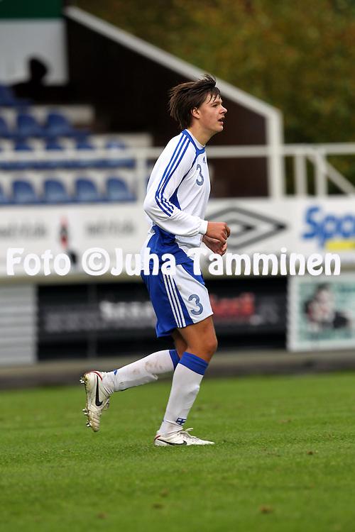 23.09.2010, Tehtaan kentt?, Valkeakoski..U-17 (1994 syntyneet) maaottelu Suomi - Ranska..Ville Rannikko - Suomi..©Juha Tamminen.