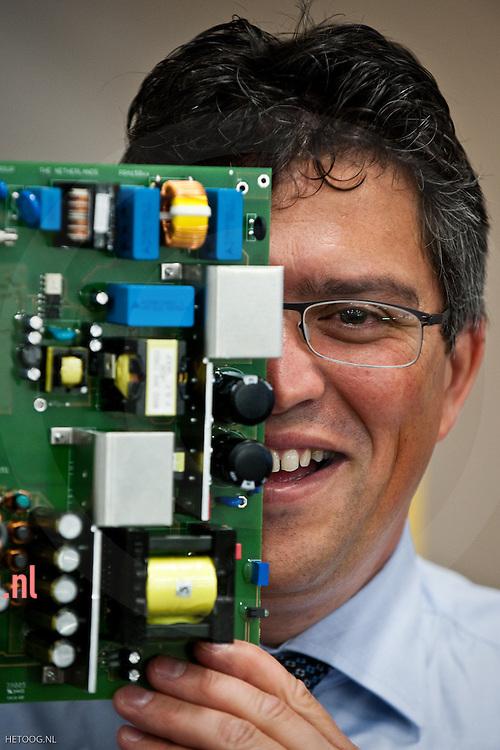 Hans Pol van het bedrijf PBF in Almelo, een bedrijf dat power supplies maakt en ontwikkelt en.recent een belangrijke overname heeft gedaan in RoemeniÎ (en dus nog steeds.groeit)