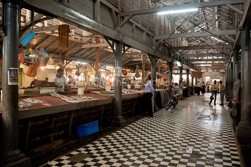 Mauritius the interior of the fish market in port louis threeblindmen photography archive - Mauritius market port louis ...