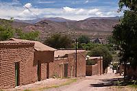 UQUIA, CASAS DE ADOBE, QUEBRADA DE HUMAHUACA, PROV. DE JUJUY, ARGENTINA