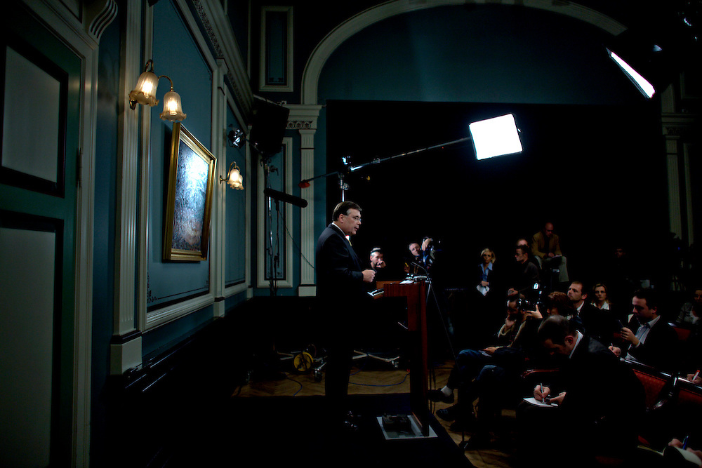 Iceland Crisis, October 8, 2008 ..Daily press briefing with Icelandic Prime Minister Geir H. Haarde..