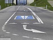 Ground mark, motorway drive-up