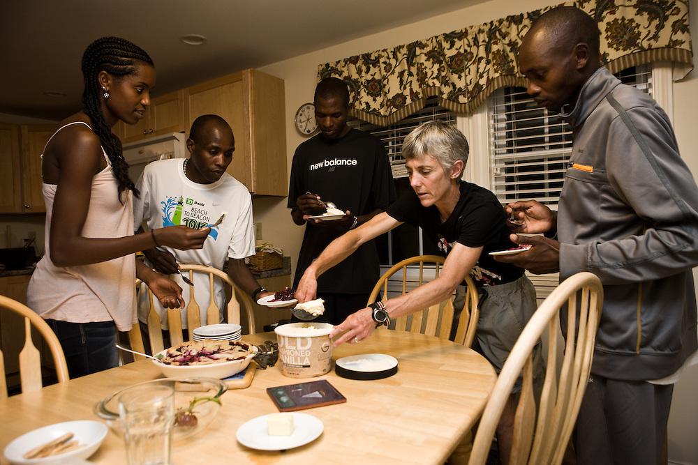 Elite runners having dinner with Joan Samuelson
