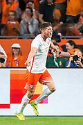 AMSTERDAM - Nederland - USA , Amsterdam ArenA , Voetbal , oefeninterland , 05-06-2015 , Nederlands elftal speler Klaas Jan Huntelaar viert zijn 2e doelpunt
