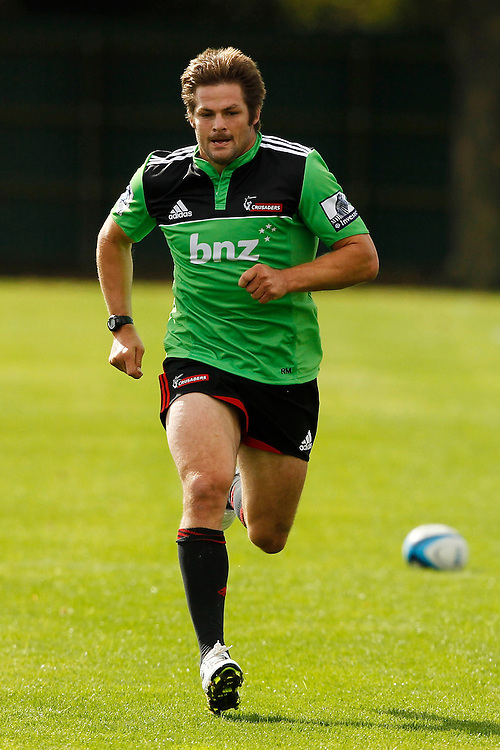 Richie McCaw back running at the Crusaders training at Rugby Park, Christchurch, New Zealand, Thursday, April 12, 2012. Credit:SNPA / Martin Hunter