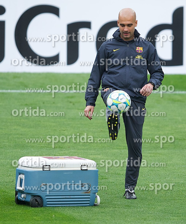 23.04.2012, Stadion Camp Nou, Barcelona, ESP, UEFA CL, Halblfinal-Rueckspiel, FC Barcelona (ESP) vs FC Chelsea (ENG), im Bild FC Barcelona head coach Josep Guardiola ahead the UEFA Championsleague Halffinal 2st Leg Match, between FC Barcelona (ESP) and FC Chelsea (ENG), at the Camp Nou Stadium, Barcelona, Spain on 2012/04/23. EXPA Pictures © 2012, PhotoCredit: EXPA/ Propagandaphoto/ David Rawcliffe..***** ATTENTION - OUT OF ENG, GBR, UK *****