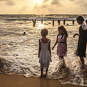 The beach at Mount Lavinia, south of Colombo, is the favorite place of the inhabitants of the city on weekends