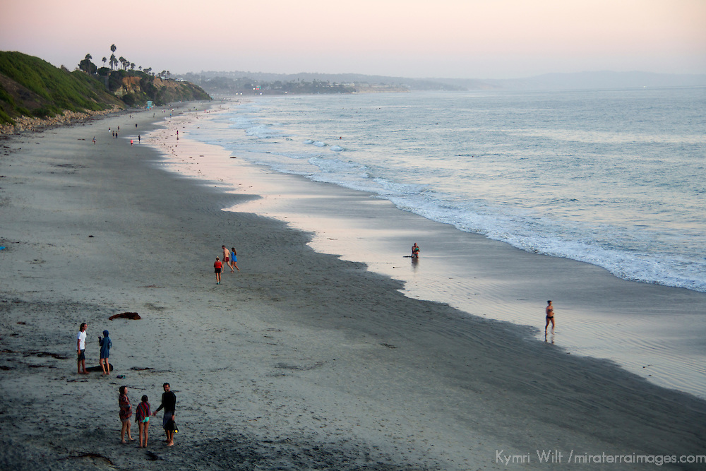USA, California, San Diego. Swami's Beach at dusk, Cardiff by the Sea (Encinitas).